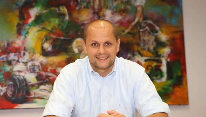 Mag. Sebastian <b>Manhart</b>, MBA 06