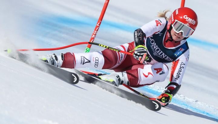 Zwei Speed-Ladies aus dem Olympiazentrum bei Ski-WM in Cortina 01
